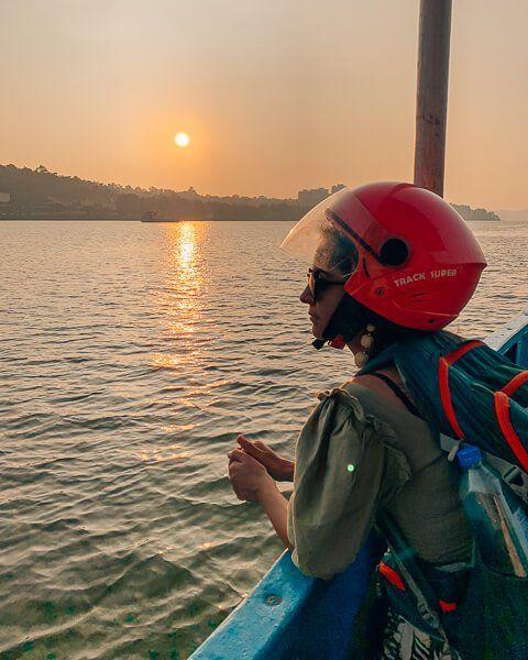 Goa ulaşım feribot ferry gün batımı