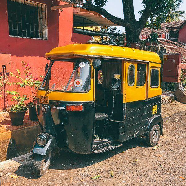 Goa'da ulaşım tuktuk taksi auto rickshaw